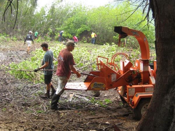 Waipa Foundation chipper & crew, 4-21-13